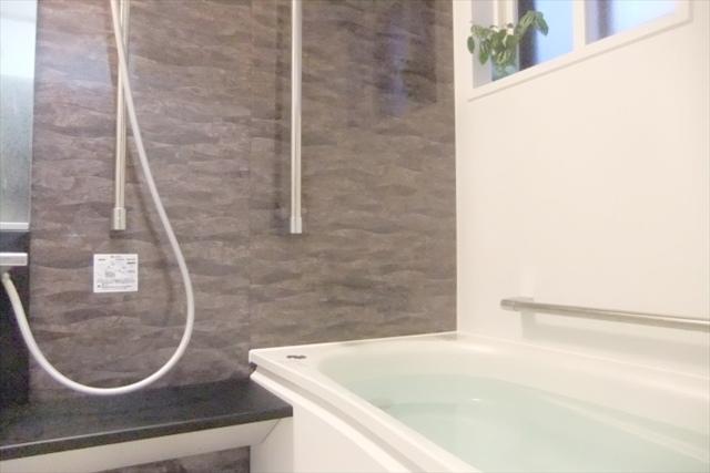 浴室リフォームを神戸で行うならマンション・一戸建てに対応可能な【ポラリス・スター株式会社】